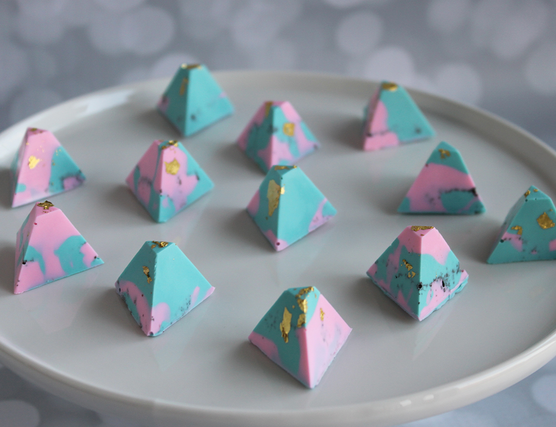pastel chocolate covered oreo triangles with gold flakes